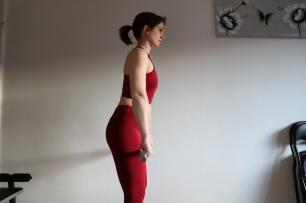 Soulevé de terre jambes tendues (profil)